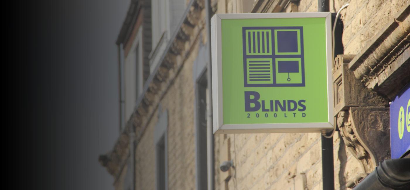 Blinds-2000-shop-sign-morley-leeds-2